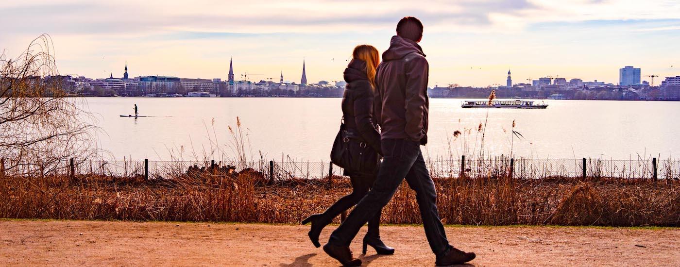Paar an der Alster www.diepaartherapeuten.de - Experten für Beziehungen Paar in Hamburg